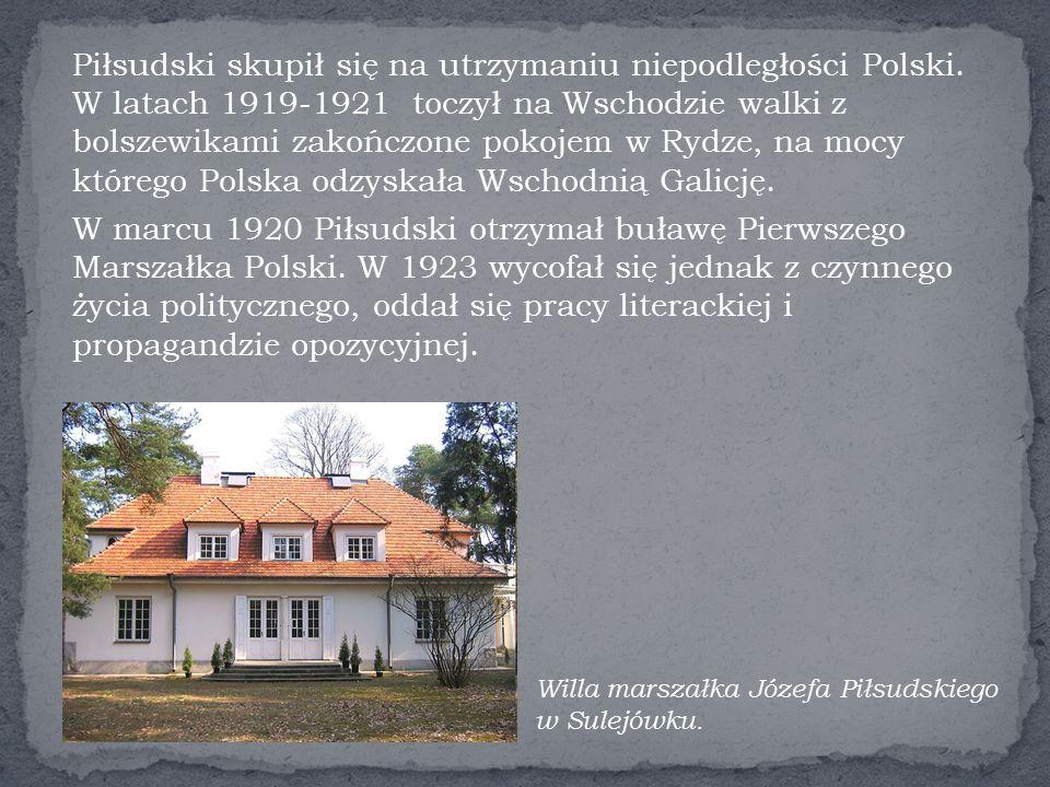 W marcu 1920 Piłsudski otrzymał buławę Pierwszego Marszałka Polski.