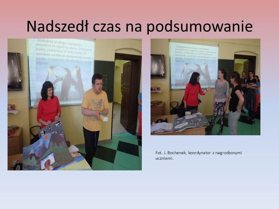 Nadszedł czas na podsumowanie Fot. J. Bochenek, koordynator z nagrodzonymi uczniami.