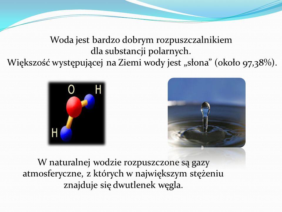 Woda– związek chemiczny o wzorze H2O, występujący w warunkach standardowych w stanie ciekłym. W stanie gazowym wodę określa się mianem pary wodnej, a