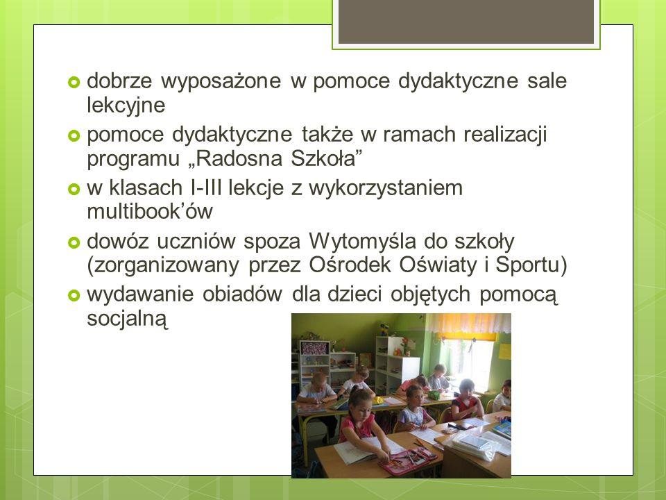 Dbamy:  o wychowanie patriotyczne (organizujemy apele, opiekujemy się grobami Powstańców Wielkopolskich i Dębem Pamięci)