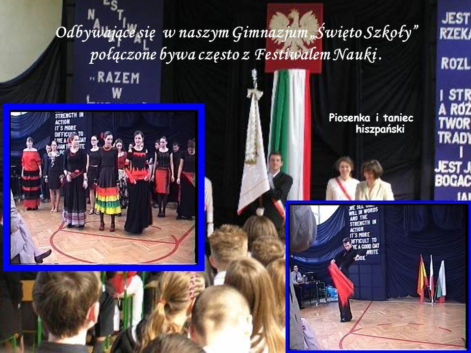 """Odbywające się w naszym Gimnazjum """"Święto Szkoły połączone bywa często z Festiwalem Nauki."""