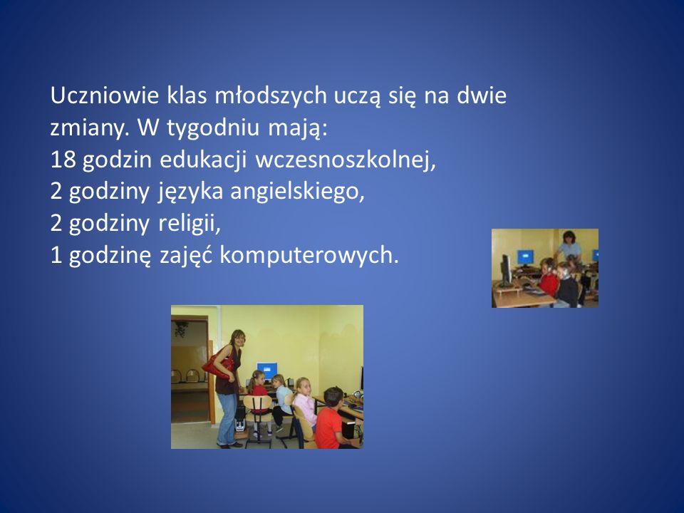 Uczniowie klas młodszych uczą się na dwie zmiany.