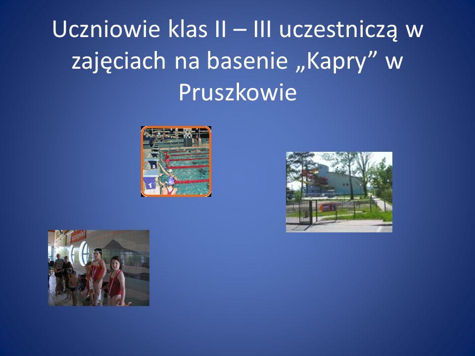 """Uczniowie klas II – III uczestniczą w zajęciach na basenie """"Kapry w Pruszkowie"""