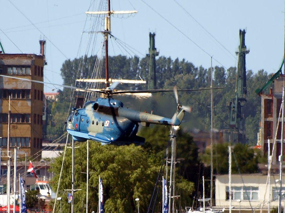 Śmigłowiec zwalczania okrętów podwodnych – Mi-14PŁ – Marynarka Wojenna posiada 10 jednostek tego typu (w tym dwa przystosowane do wykonywania zadań ratowniczych).