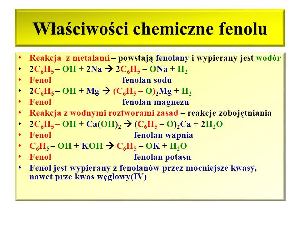 Właściwości fizyczne fenolu Fenol – substancja stała, krystaliczna, bezbarwna, pod wpływem tlenu różowieje, higroskopijna, o charakterystycznej nieprz