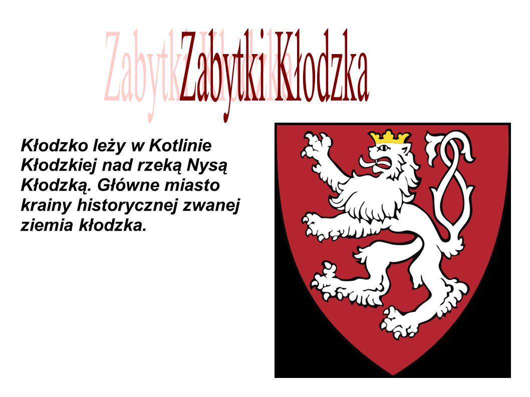 Kłodzko leży w Kotlinie Kłodzkiej nad rzeką Nysą Kłodzką.