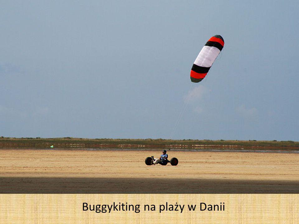 Buggykiting na plaży w Danii