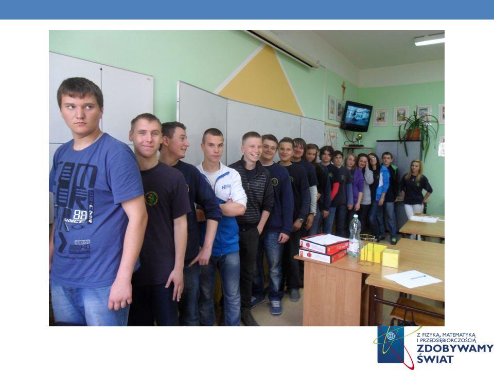 WSKAZALIŚMY MEDIANĘ W NASZEJ KLASIE Wzrost w naszej klasie waha się w przedziale Natalia 160 cm Patryk 190 cm