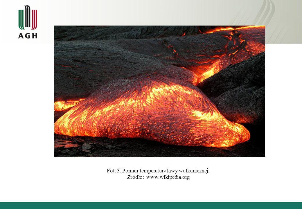 Fot. 3. Pomiar temperatury lawy wulkanicznej, Źródło: www.wikipedia.org