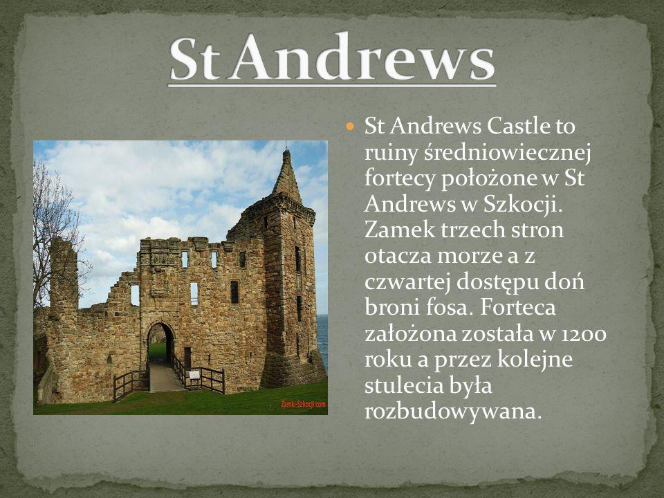 St Andrews Castle to ruiny średniowiecznej fortecy położone w St Andrews w Szkocji. Zamek trzech stron otacza morze a z czwartej dostępu doń broni fos