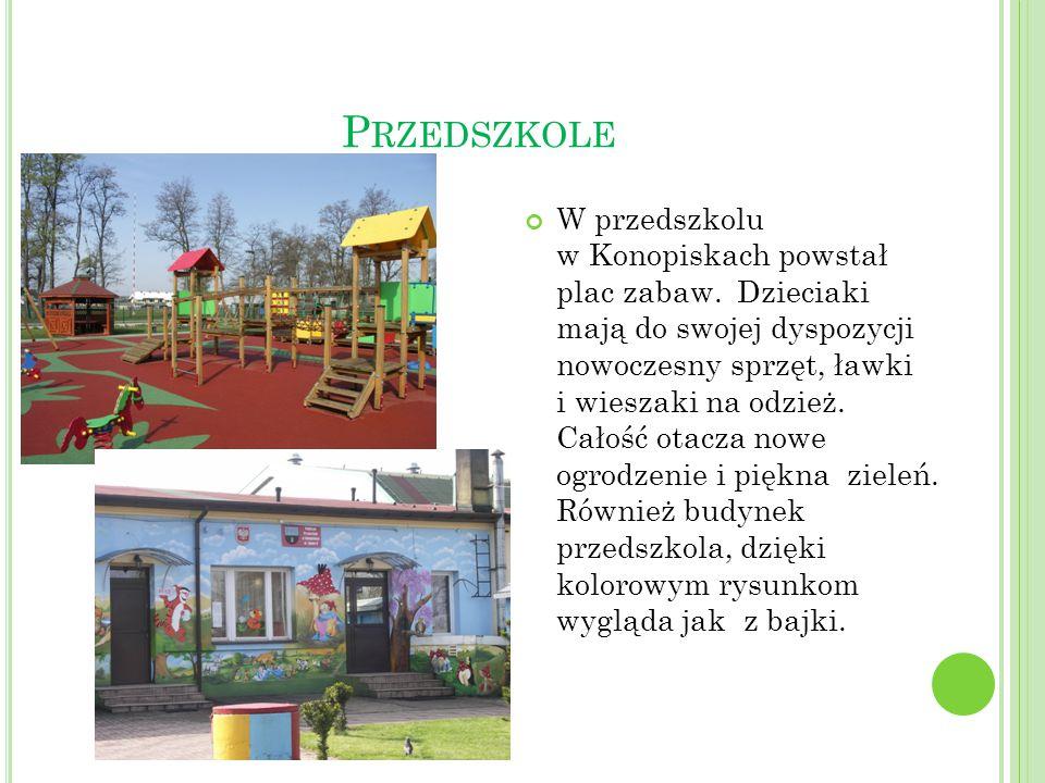 P RZEDSZKOLE W przedszkolu w Konopiskach powstał plac zabaw. Dzieciaki mają do swojej dyspozycji nowoczesny sprzęt, ławki i wieszaki na odzież. Całość