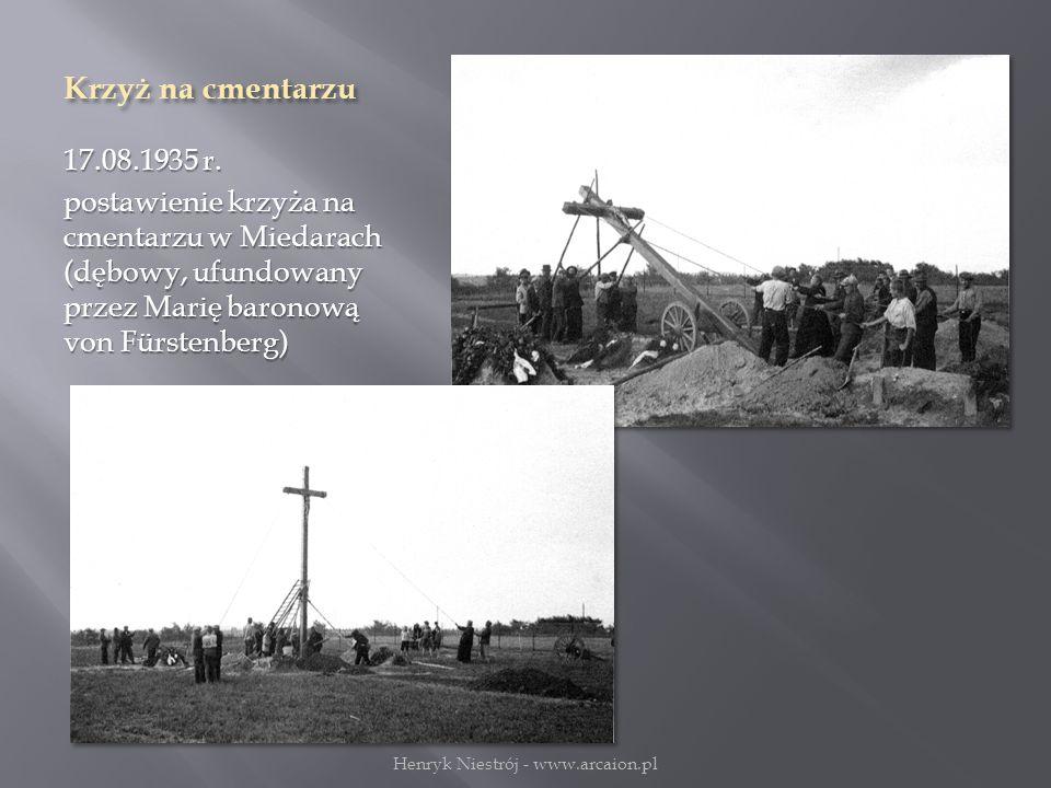 Krzyż na cmentarzu 17.08.1935 r.