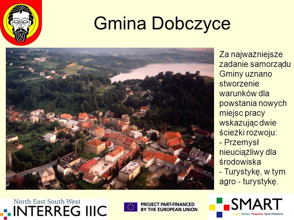 Gmina Dobczyce Za najważniejsze zadanie samorządu Gminy uznano stworzenie warunków dla powstania nowych miejsc pracy wskazując dwie ścieżki rozwoju: -