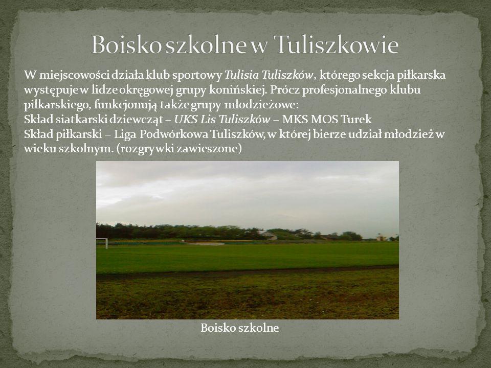 W miejscowości działa klub sportowy Tulisia Tuliszków, którego sekcja piłkarska występuje w lidze okręgowej grupy konińskiej. Prócz profesjonalnego kl
