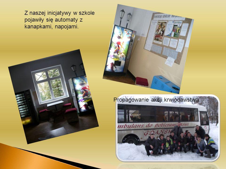 Z naszej inicjatywy w szkole pojawiły się automaty z kanapkami, napojami.