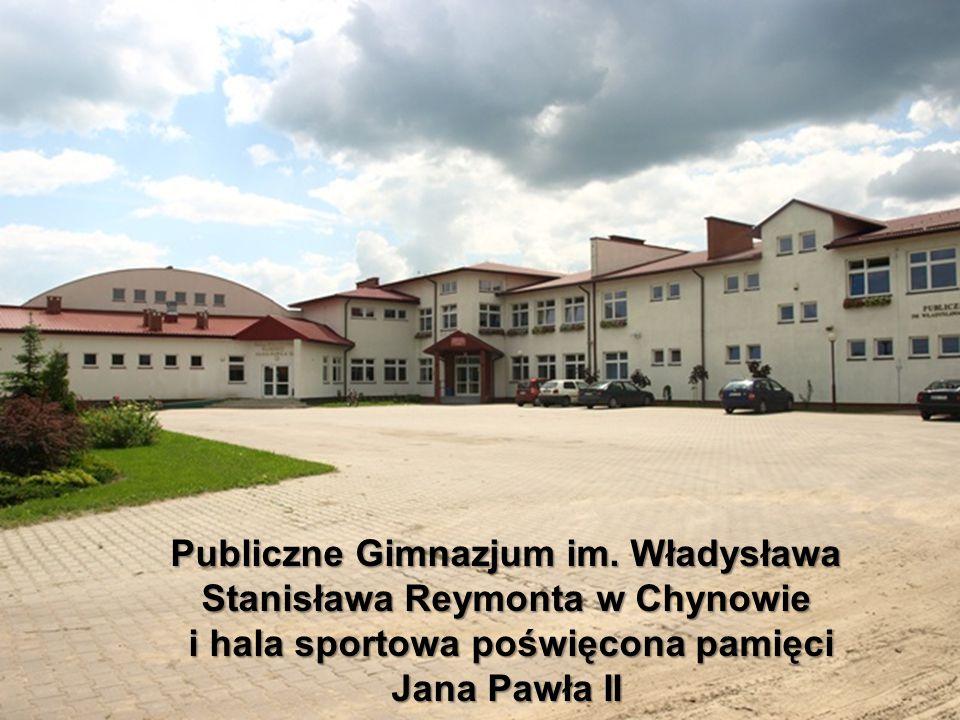 Zespół Szkolno-Przedszkolny im. Kornela Makuszyńskiego w Chynowie. Plac zabaw przy ZSP w Chynowie.