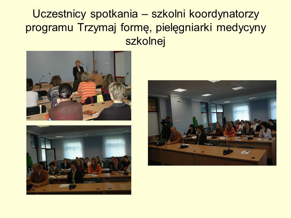 Uczestnicy spotkania – szkolni koordynatorzy programu Trzymaj formę, pielęgniarki medycyny szkolnej