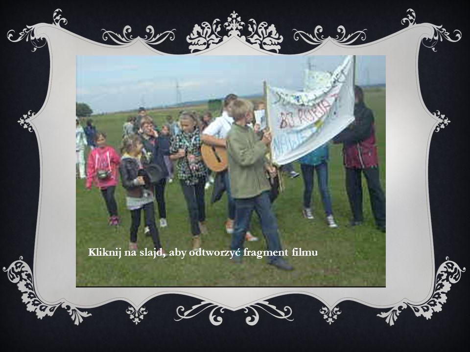 """Dnia dwudziestego września bieżącego roku, od godziny jedenastej, klasy od czwartej do szóstej, nauczyciele oraz pani dyrektor wzięli udział w akcji """"Sprzątamy Świat , która odbyła się w Mokrzeszowie."""