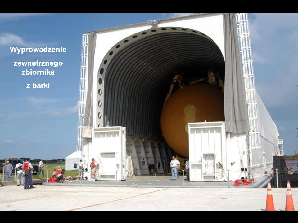 Wyprowadzenie zewnętrznego zbiornika z barki