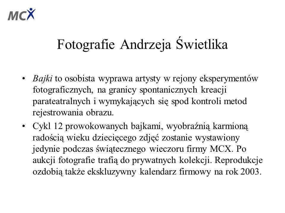 Fotografie Andrzeja Świetlika Bajki to osobista wyprawa artysty w rejony eksperymentów fotograficznych, na granicy spontanicznych kreacji parateatralnych i wymykających się spod kontroli metod rejestrowania obrazu.