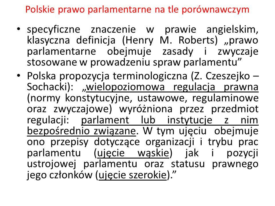 """Polskie prawo parlamentarne na tle porównawczym Relacje między konstytucją a regulaminem Sejmu: w aspekcie materialnym: regulamin rozwija postanowienia konstytucji, jest względem niego wykonawczy; szczególnie to widać w sytuacji coraz głębszej konstytucyjnej regulacji funkcjonowania parlamentu, -w aspekcie formalnym: relacje między regulaminem a konstytucją wyznacza zasada najwyższej mocy konstytucji, """"regulamin Sejmu jest aktem postawionym niewątpliwie poniżej konstytucji w systemie źródeł prawa i jak każdy akt normatywny w państwie musi być zgodny z konstytucją – wyrok TK U 10/92, """"Charakter autonomii parlamentarnej nakazuje Trybunałowi Konstytucyjnemu zachować szczególną powściągliwość w kontrolowaniu norm ustanowionych w granicach tej autonomii."""