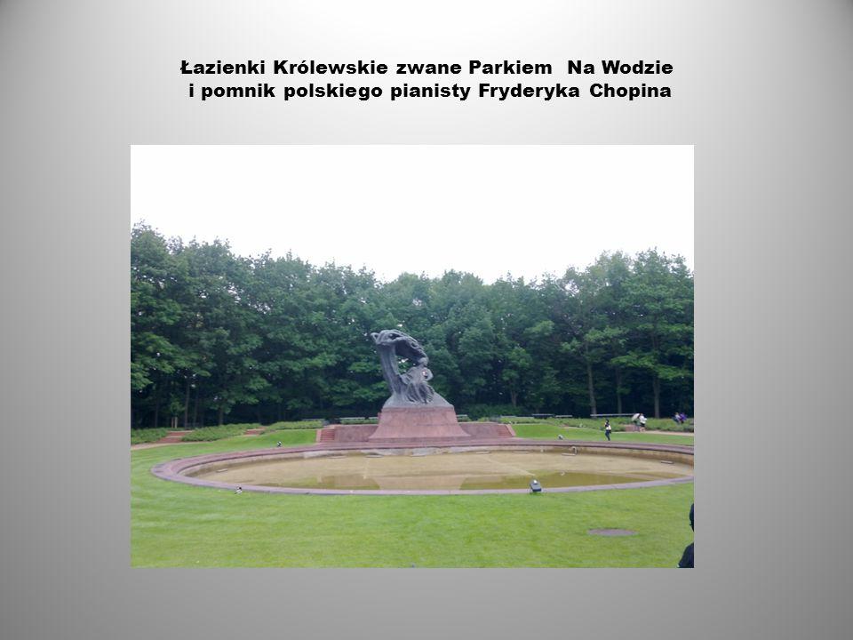 Pałac Kultury i Nauki oraz taras widokowy 1. Pomysłodawcą projektu był Józef Stalin.