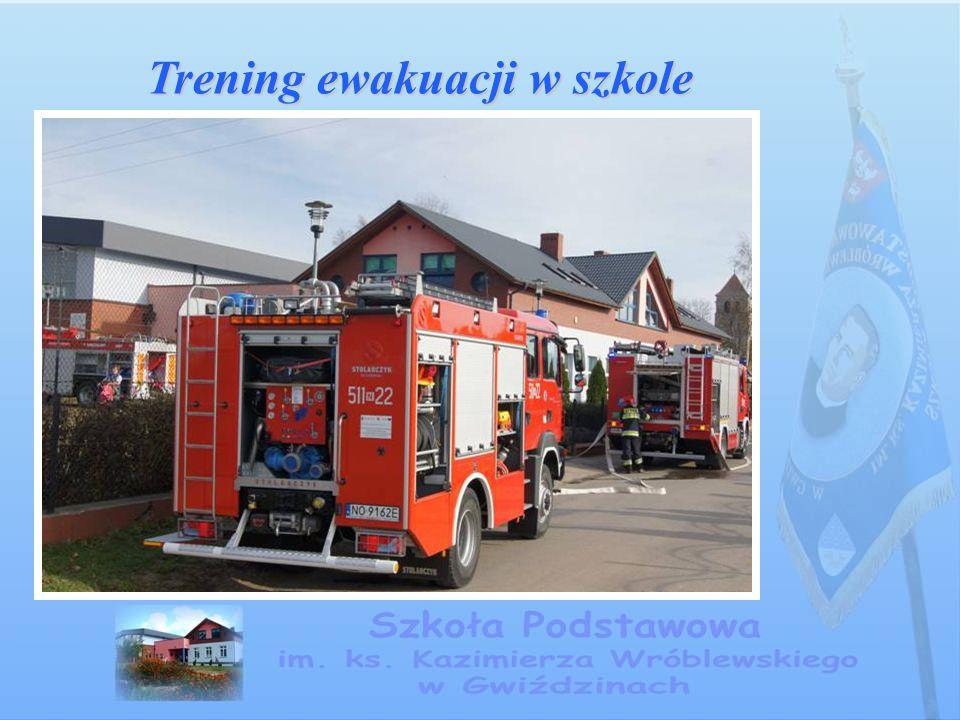 Trening ewakuacji w szkole