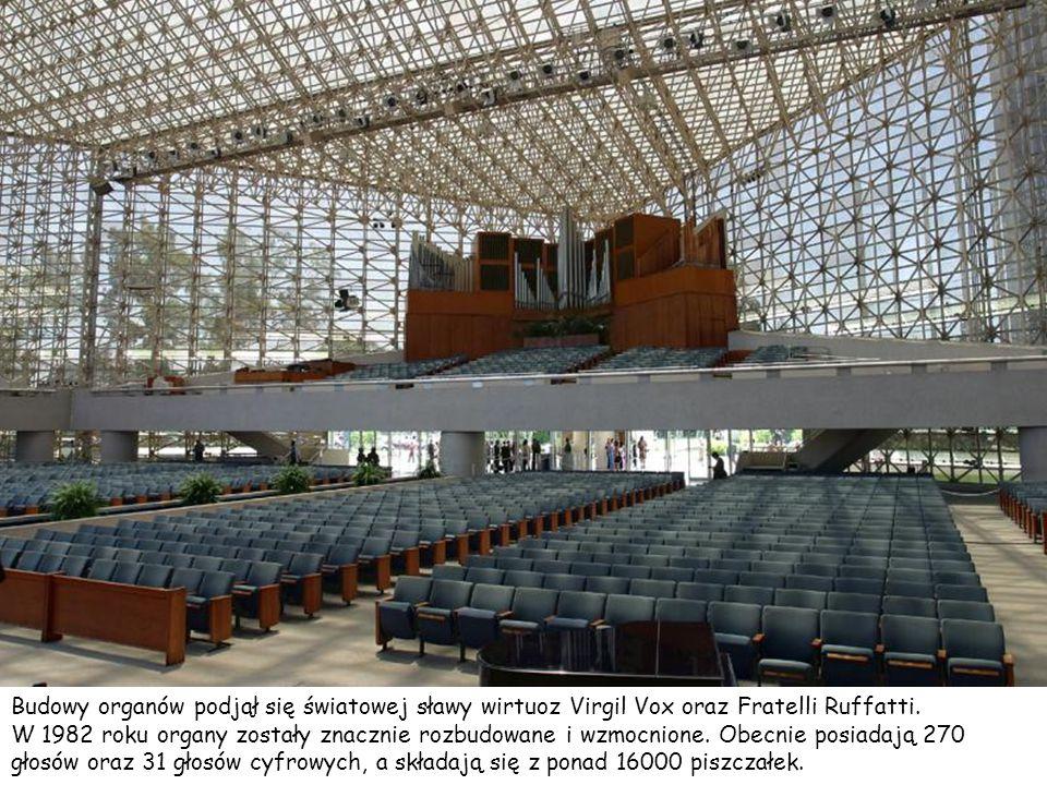 Kościół znany jest z jednych z największych na świecie organów. Organy o wartości około 2 milionów dolarów kościół dostał w prezencie od Hazel Wright,