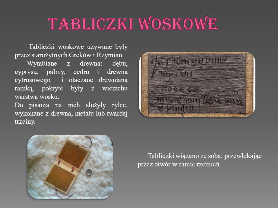 Najpopularniejszą, pierwotną formą książki od IV tysiąclecia p.n.
