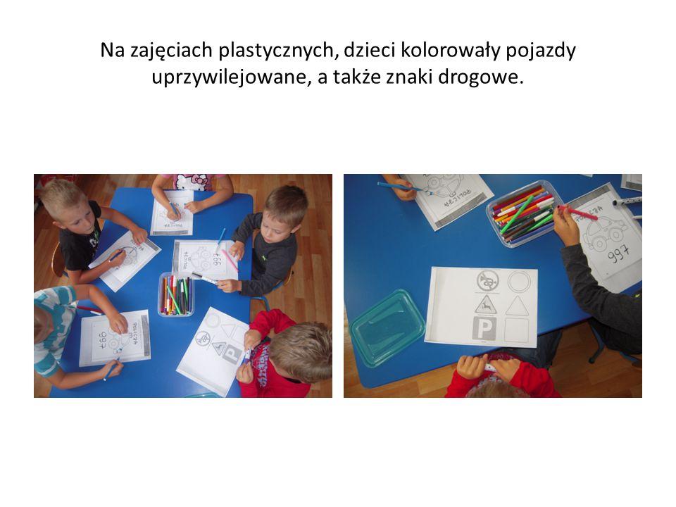 Na zajęciach plastycznych, dzieci kolorowały pojazdy uprzywilejowane, a także znaki drogowe.