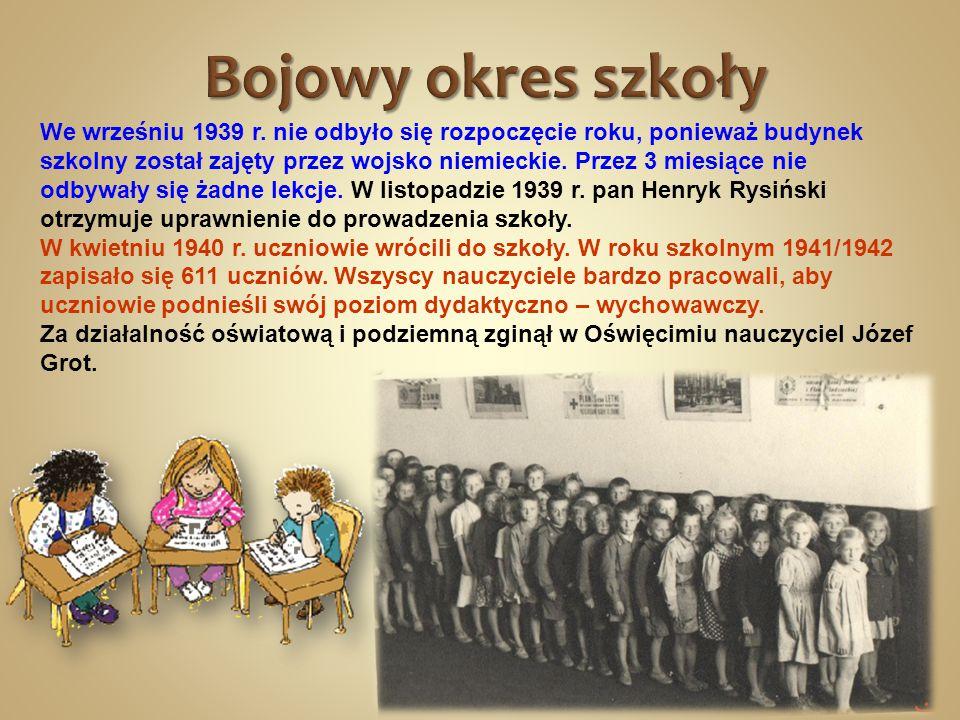 We wrześniu 1939 r. nie odbyło się rozpoczęcie roku, ponieważ budynek szkolny został zajęty przez wojsko niemieckie. Przez 3 miesiące nie odbywały się