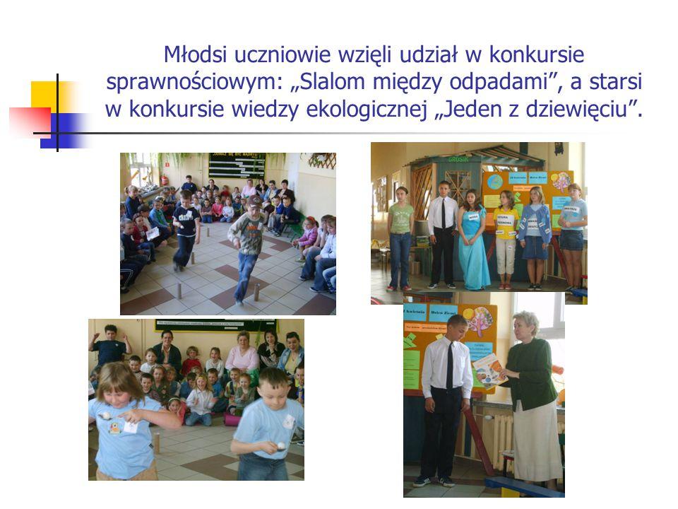 """Młodsi uczniowie wzięli udział w konkursie sprawnościowym: """"Slalom między odpadami"""", a starsi w konkursie wiedzy ekologicznej """"Jeden z dziewięciu""""."""