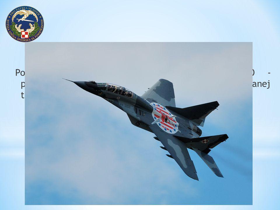 Kabina samolotu F-16 C - informacje wyświetlane na HUD w nawigacyjnym trybie operacyjnym NAV Źródło: Lockheed Martin The Pilot s Guide (Final)