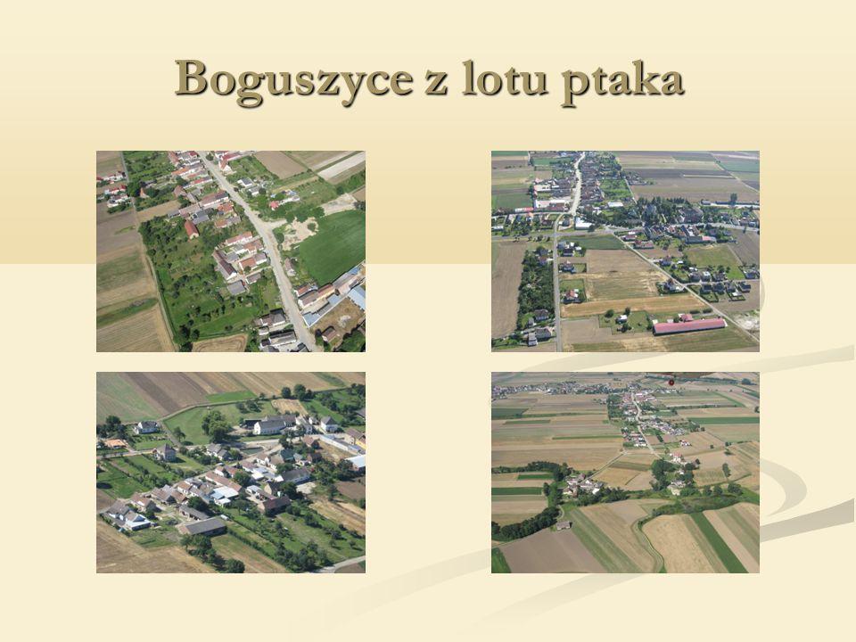 W latach 1997-2002r przeprowadził następujące projekty : W latach 1997-2002r przeprowadził następujące projekty : Remont dróg polnych Remont dróg polnych Wyasfaltowanie ul.