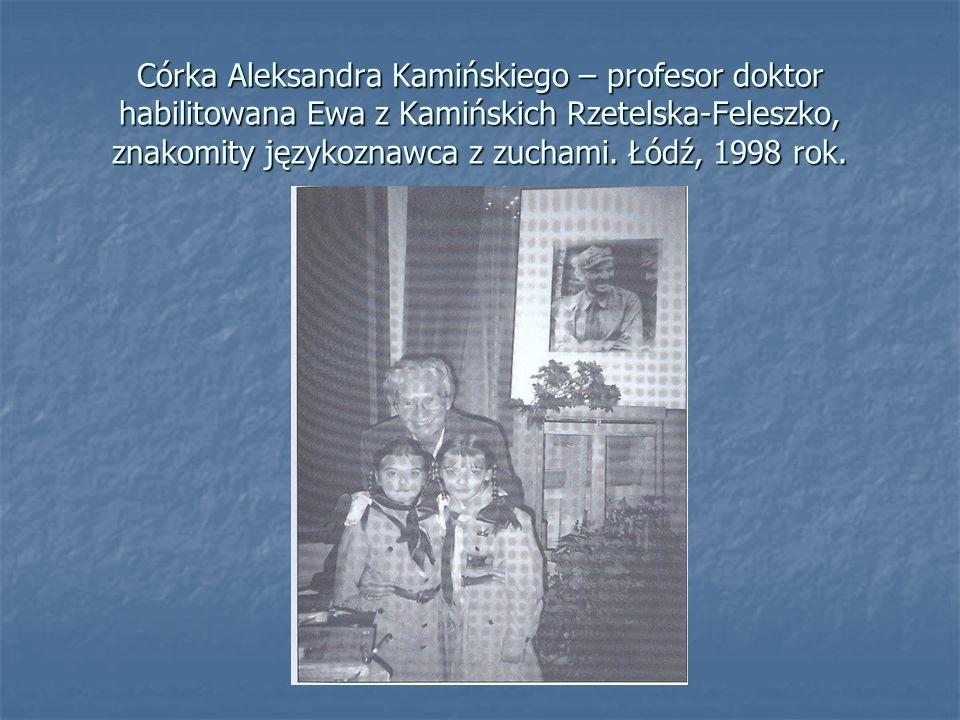 Córka Aleksandra Kamińskiego – profesor doktor habilitowana Ewa z Kamińskich Rzetelska-Feleszko, znakomity językoznawca z zuchami. Łódź, 1998 rok.