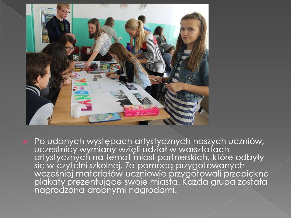  Po udanych występach artystycznych naszych uczniów, uczestnicy wymiany wzięli udział w warsztatach artystycznych na temat miast partnerskich, które odbyły się w czytelni szkolnej.