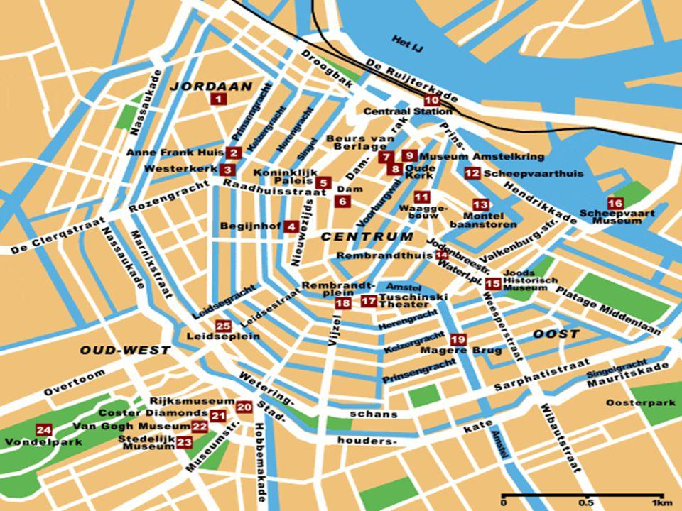 Montelbaanstoren ( wieża Montelbaan ) zbudowana została w 1516 roku i początkowo była jedną z licznych wież w średniowiecznych murach obronnych Amsterdamu Taxi