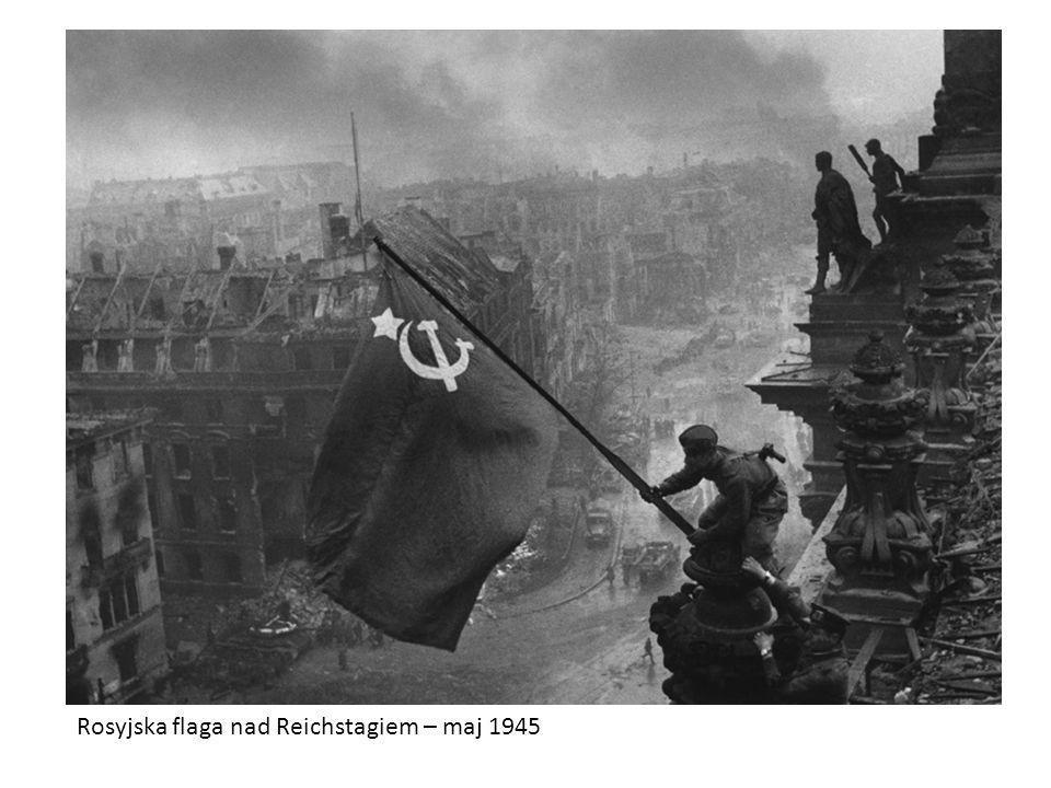 Rosyjska flaga nad Reichstagiem – maj 1945