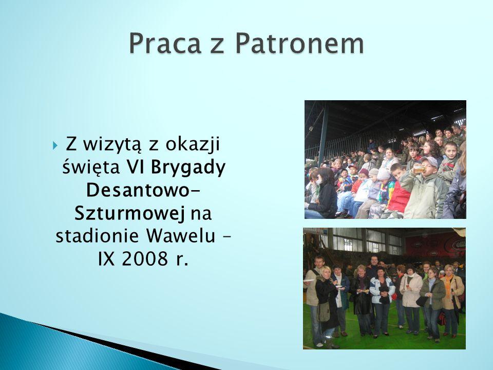  Z wizytą z okazji święta VI Brygady Desantowo- Szturmowej na stadionie Wawelu – IX 2008 r.