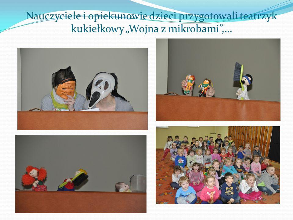 """Nauczyciele i opiekunowie dzieci przygotowali teatrzyk kukiełkowy """"Wojna z mikrobami ,…"""