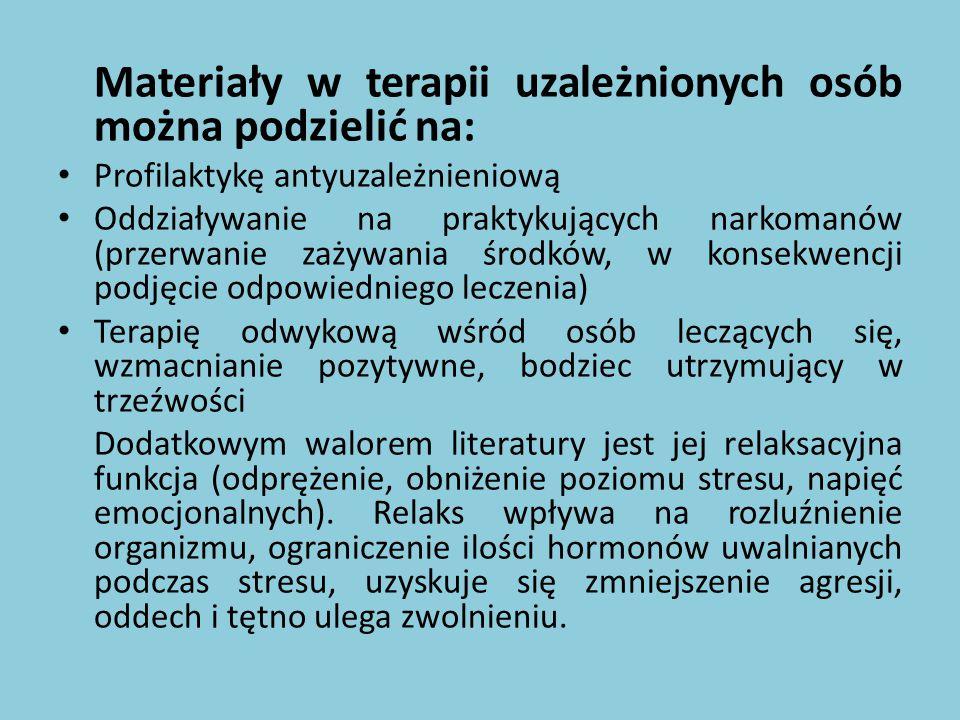 Treści edukacyjne zawarte są w serii filmów wydanych przez Wydawnictwo Naukowe PWN, np.