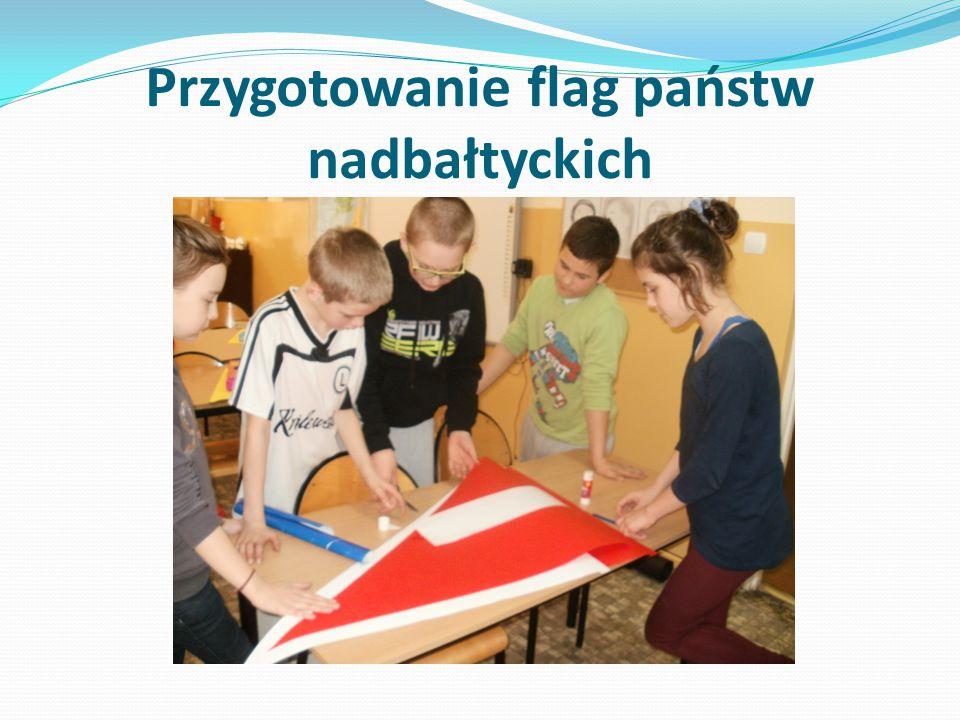Przygotowanie flag państw nadbałtyckich