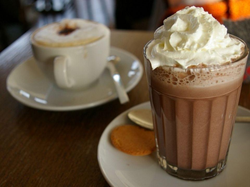 Ciesz się, smakując swoją gorącą czekoladę!!