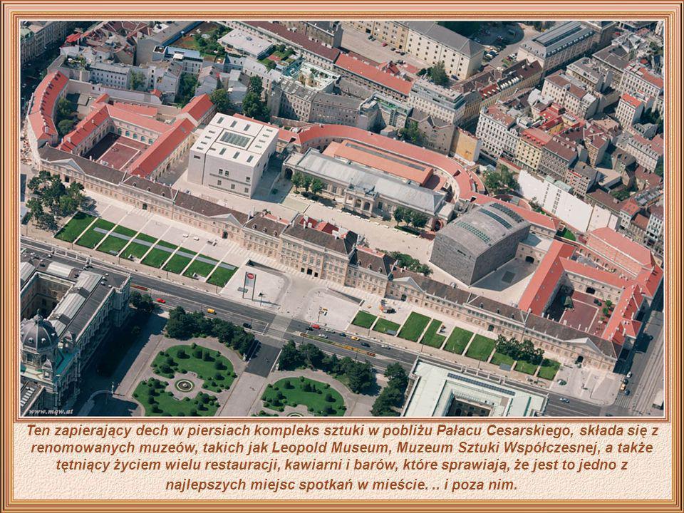 Rzeczywiście młodzi ludzie odkryli, w jaki sposób można cieszyć się miastem w nowatorski sposób i wykorzystali Dunaj w celu uprawiania żeglarstwa. Jed