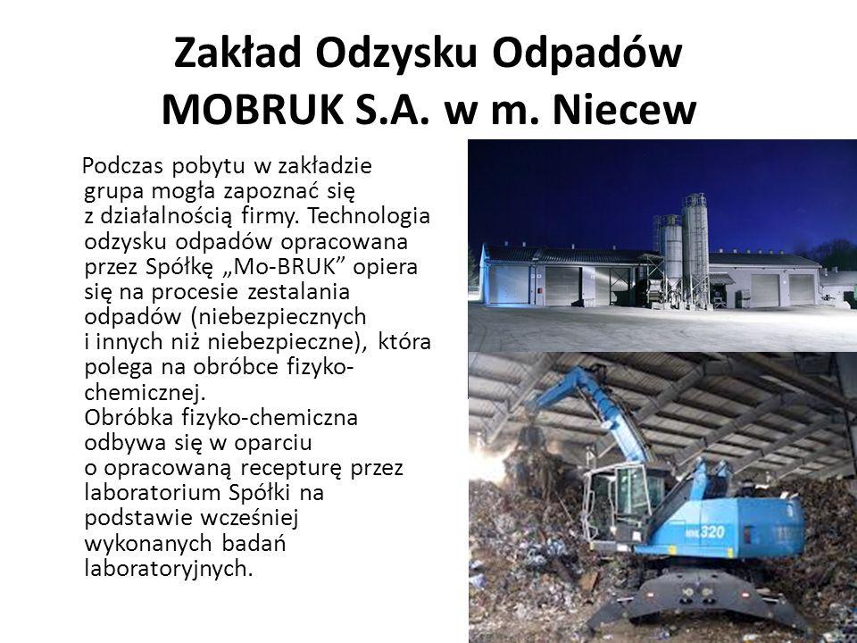 """Podczas pobytu w zakładzie grupa mogła zapoznać się z działalnością firmy. Technologia odzysku odpadów opracowana przez Spółkę """"Mo-BRUK"""" opiera się na"""