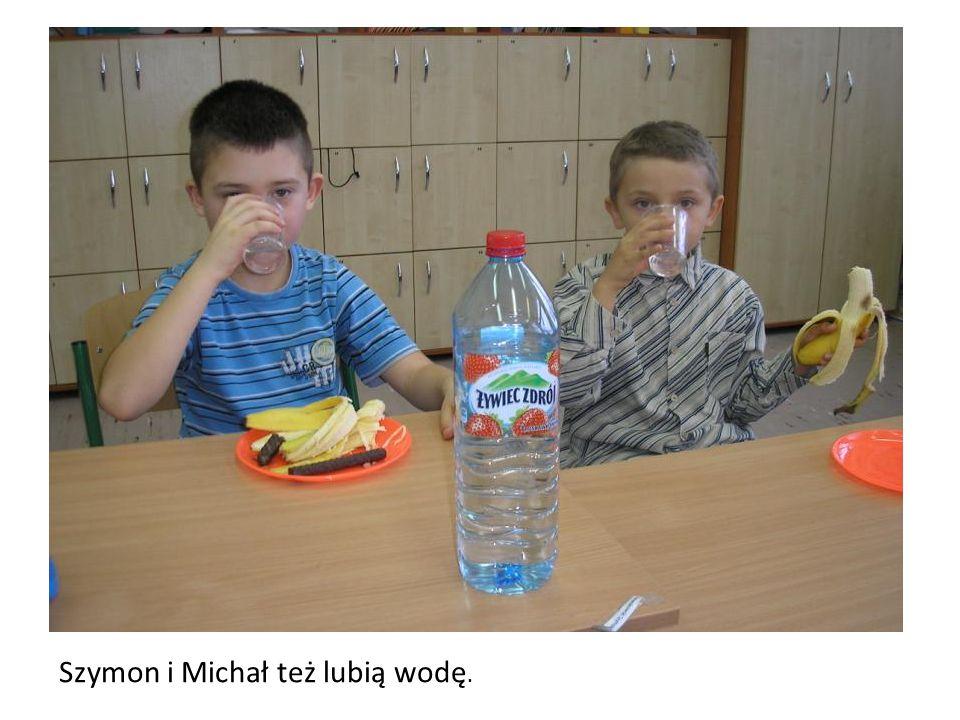 Szymon i Michał też lubią wodę.