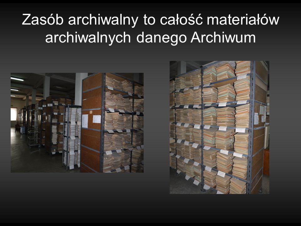 W zasobie Archiwum Państwowego w Kielcach znajduje się dokumentacja powstała: w okresie XIX wieku, Dwudziestolecia międzywojennego, Polski Ludowej, III Rzeczypospolitej Niewiele materiałów archiwalnych pochodzi z okresu przedrozbiorowego i czasów okupacji hitlerowskiej