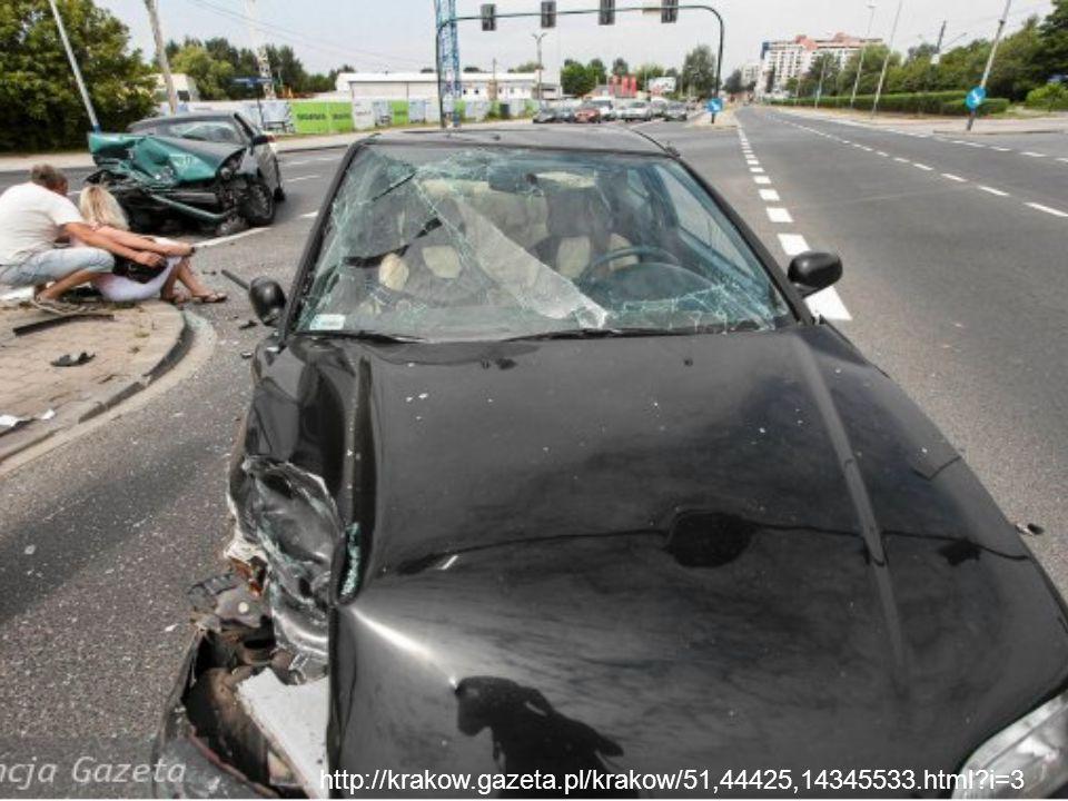 """ Na drogach pojawia się coraz więcej pijanych kierowców, którzy bez namysłu siadają """"za kółko ."""