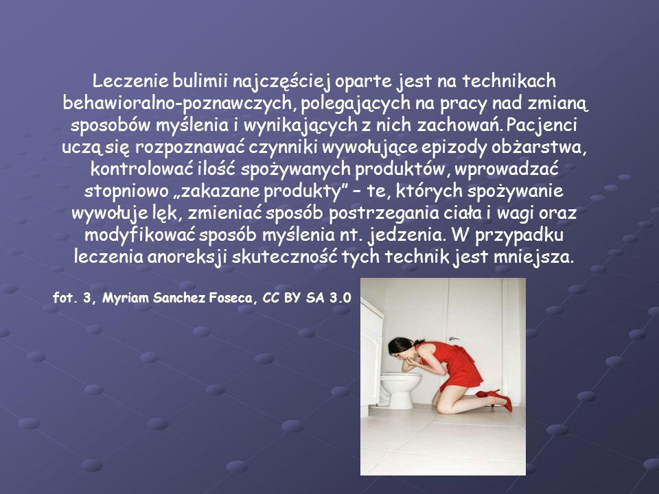 Leczenie bulimii najczęściej oparte jest na technikach behawioralno-poznawczych, polegających na pracy nad zmianą sposobów myślenia i wynikających z nich zachowań.