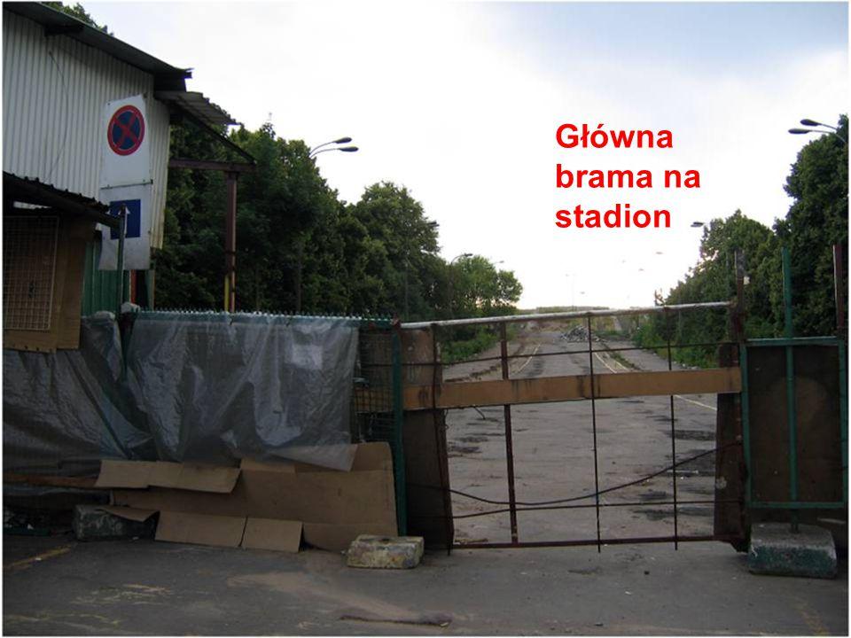 Główna brama na stadion